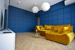 A seating area at Ale's Residence 2 in the Center