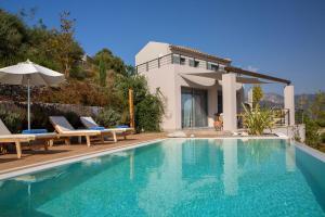 Πισίνα στο ή κοντά στο Anemos Luxury Villas