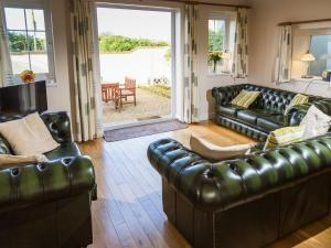 A seating area at Sunnyside Cottage