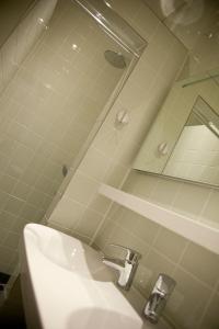 A bathroom at Gelkingehof Apartments