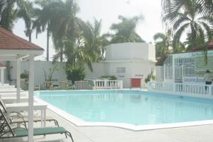 Executive Mammee Bay Hotel