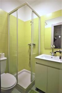 A bathroom at Cantinho da Matriz