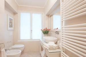 A bathroom at Boutique Apartments Verona