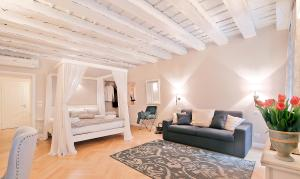 A seating area at Boutique Apartments Verona