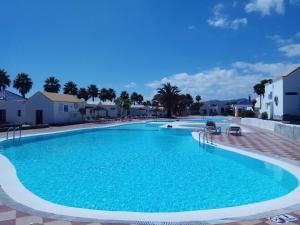 Het zwembad bij of vlak bij Bungalow Montecastillo 2
