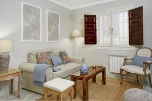 A seating area at Apartamentos Mirador Alhambra