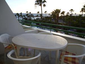 A balcony or terrace at El Beril and Altamira apartments