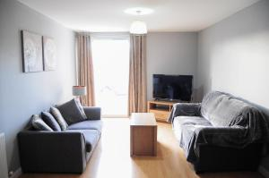 A seating area at Home Stay in Alexandra Parade – near City Centre