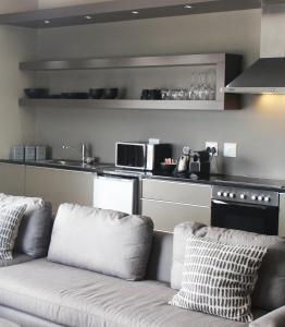 A kitchen or kitchenette at Atlantic Apartments 2