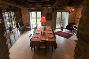 A restaurant or other place to eat at Casale Monticchio