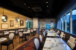 A restaurant or other place to eat at Citadines Rasuna Jakarta