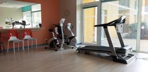 The fitness center and/or fitness facilities at Domitys Les Gréements d'Or