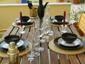 A restaurant or other place to eat at Enjoy S Pedro de Sintra Apartments