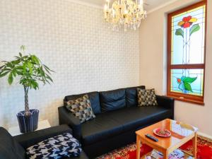 A seating area at Rumbach Terrace Apartman