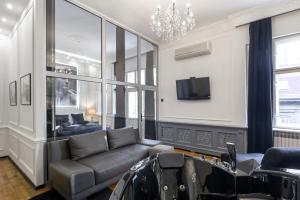 Prostor za sedenje u objektu Ben Akiba Luxury Suites
