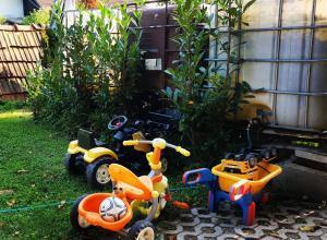 Otroško igrišče poleg nastanitve Chalet Licko