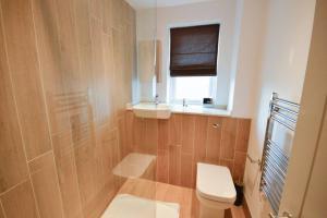 Ein Badezimmer in der Unterkunft Modern Studio Flat In Clifton