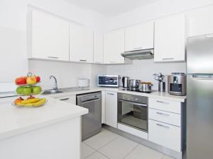 A kitchen or kitchenette at Apartment PRCORA308
