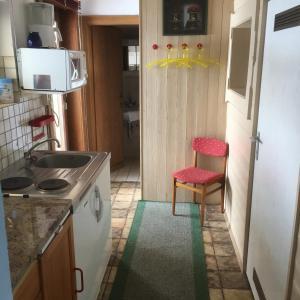 Een keuken of kitchenette bij Haus André