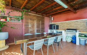 A kitchen or kitchenette at Casa Roque Aguairo