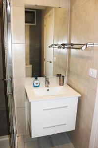 A bathroom at Beautiful Apartment-Bungalow Puerto Rico Mogan Gran Canaria