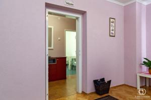 A kitchen or kitchenette at House 5 Banja Luka