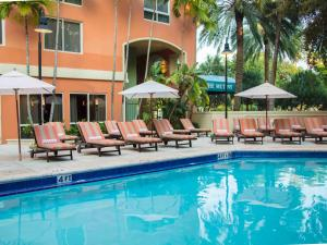The swimming pool at or near Apartment Coconut Grove.1