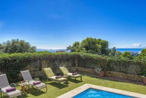 A view of the pool at Estepona Villa Sleeps 6 Pool Air Con WiFi or nearby