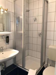 Ein Badezimmer in der Unterkunft STARS Apartments Berlin Schöneberg
