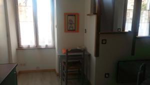A kitchen or kitchenette at Le gite au tilleul