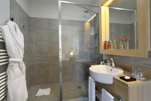 A bathroom at Appart'City Reims Parc des Expositions