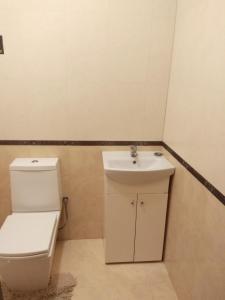 Ванна кімната в Апартаменти в самому серці Івано Франківська.