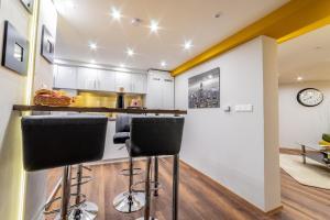 Kuchnia lub aneks kuchenny w obiekcie Diamond Residence - Holy King Apartment