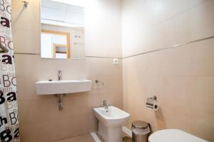 A bathroom at Torre D'Oboe Apartamentos