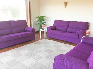 A seating area at O Refugio Alentejano