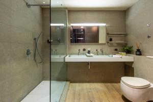 A bathroom at Milan Royal Suites - Centro