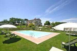 The swimming pool at or near Holiday resort Montepulciano Country Resort Acquaviva di Montepulciano - ITO10015-CYB