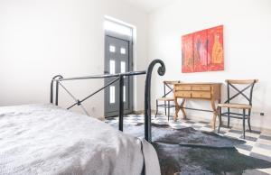 Кровать или кровати в номере Apartments Castello Risano