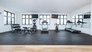 The fitness center and/or fitness facilities at Sheepshead Bay Pearl