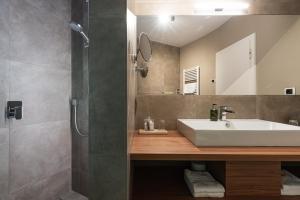 A bathroom at Residenz Feldmühle inclusive Wellness