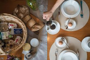 Breakfast options available to guests at Residenz Feldmühle inclusive Wellness