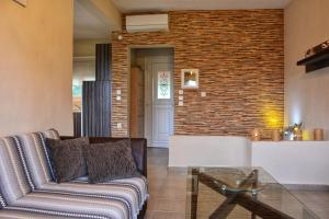 A seating area at Relax House S