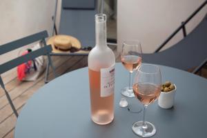 Drinks at Les Jardins de la Mandoune