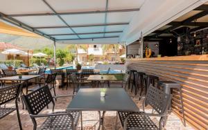 Εστιατόριο ή άλλο μέρος για φαγητό στο Oscar Villa & Studios