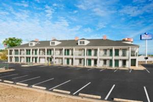 Picture of Baymont Inn & Suites - Eufaula