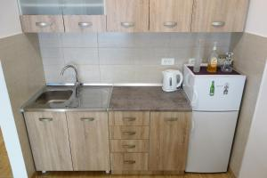 A kitchen or kitchenette at Clementine