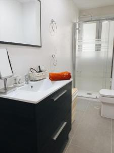 A bathroom at Piso acogedor y tranquilo - Junto a ifema y aerop.