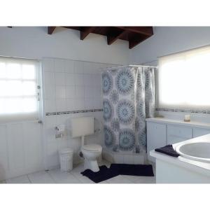 A bathroom at Sabanilla Hills