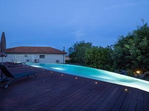 Der Swimmingpool an oder in der Nähe von Art de vivre