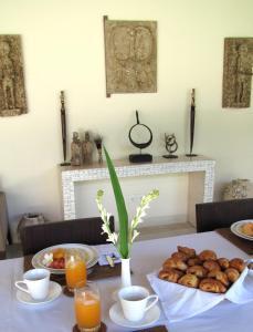 Breakfast options available to guests at Nyaman Villas